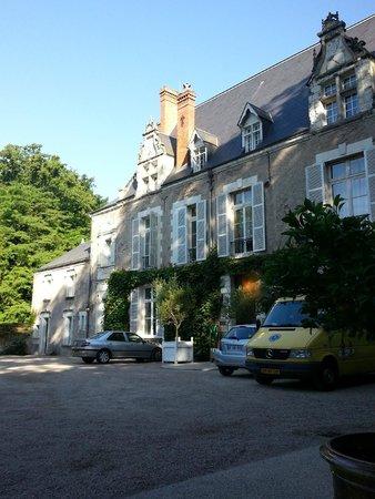 Chateau de Pray: facade jardin
