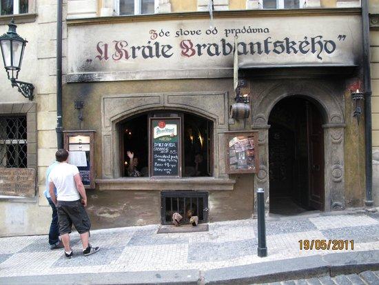 Tavern U Krale Brabantskeho: Таверна