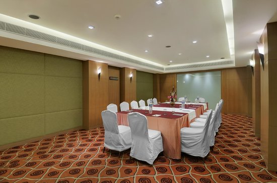 Pride Hotel Chennai: Senate Hall