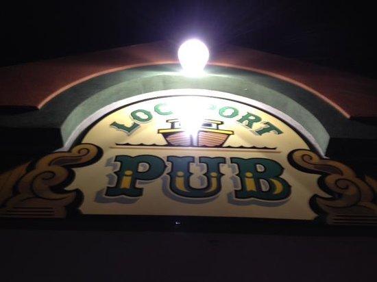 Lockport Pub: Entrance