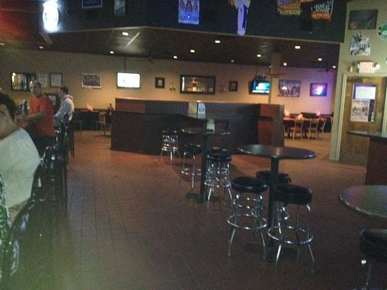 Lockport Pub: Bar room