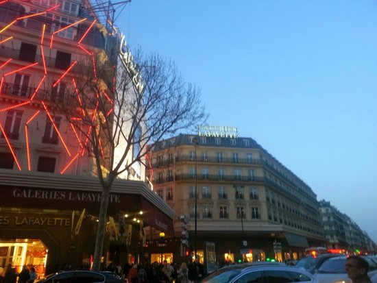 Galeries Lafayette : Front side 3