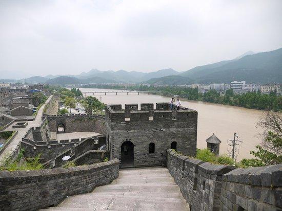 Jiangnan Great Wall: Южная китайская стена.