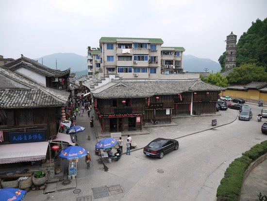 Jiangnan Great Wall: Вид на старый город и древнюю улицу