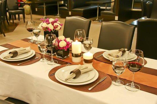 Intimate Hotel: Restaurant & Dining