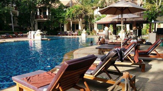 Crown Lanta Resort & Spa : Pool bar at crown lanta