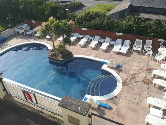 Priory Lodge Hotel: Outdoor pool