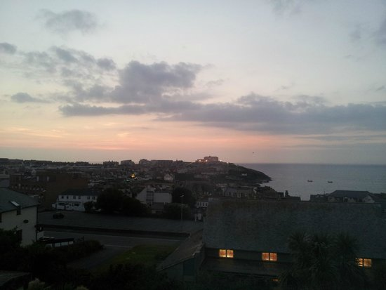 Priory Lodge Hotel: Sea view at dusk