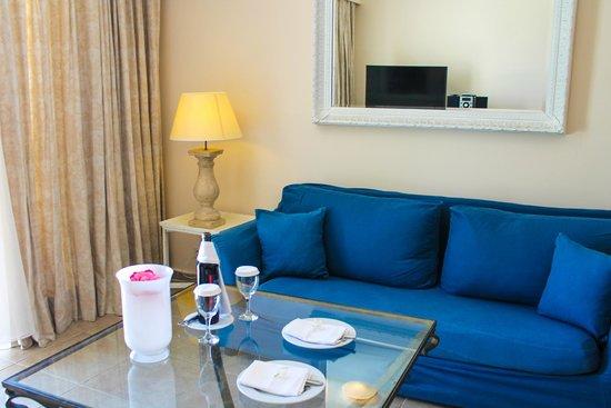 Grecotel Kos Imperial Hotel: Гостиная в номере