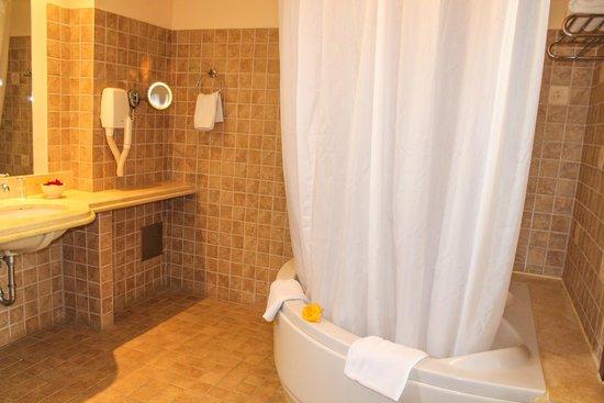 Grecotel Kos Imperial Hotel: Ванная комната