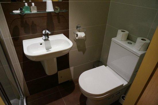 Rose Park Hotel: В ванной комнате
