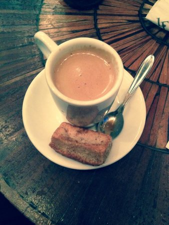 La Fiducia Restaurante: Espresso w/ sweet biscuit.  Simply wonderful.