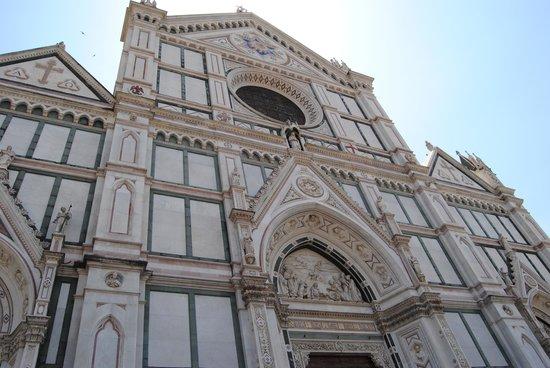 Basilica di Santa Croce: la facciata esterna