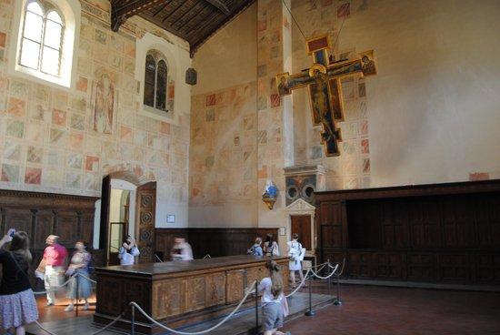Basilica di Santa Croce: il crocifisso di Cimabue