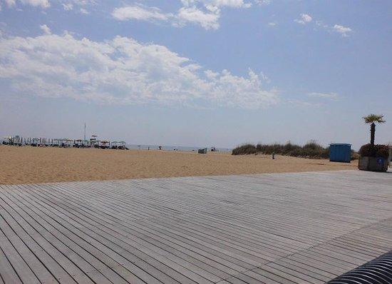 Bosco Canoro: Strand mit Geh-/Radwegen