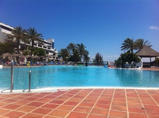 Sandos Papagayo Beach Resort: view of one of the pools