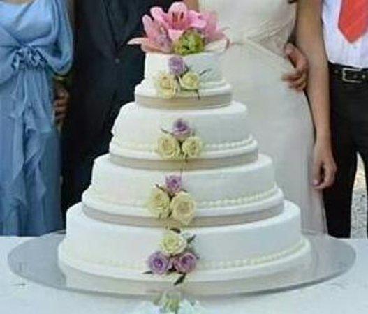 Torta Matrimonio Girasoli : Torta di matrimonio foto pasticceria caffetteria