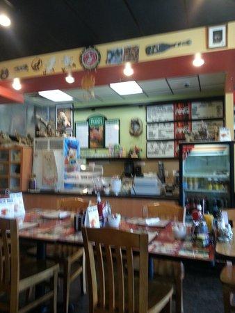 Wolf's Den Restaurant: Wolf's Den Family Diner