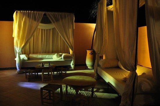 Riad Palau: the terrace at night