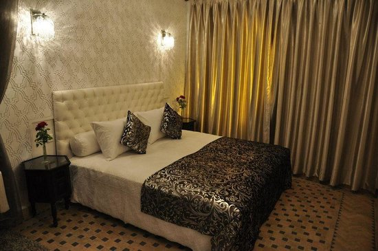 Riad Palau: Blance Room
