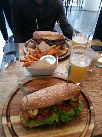 MAD - Modern American Diner: Food & beer!