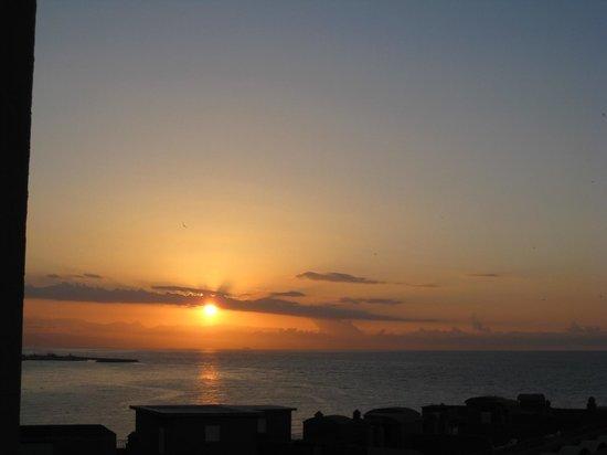 Sunset Beach Club : восход