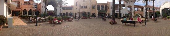 PortAventura Hotel PortAventura : Outside recption