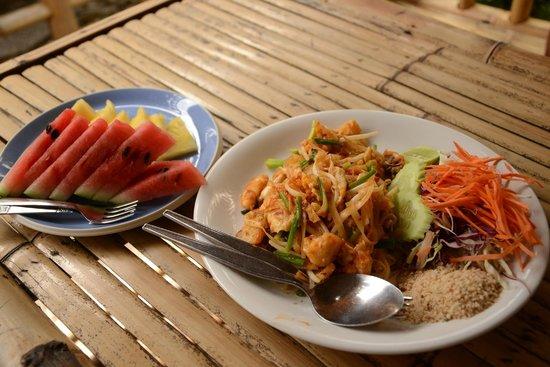 Luck Yim: Pad Thai