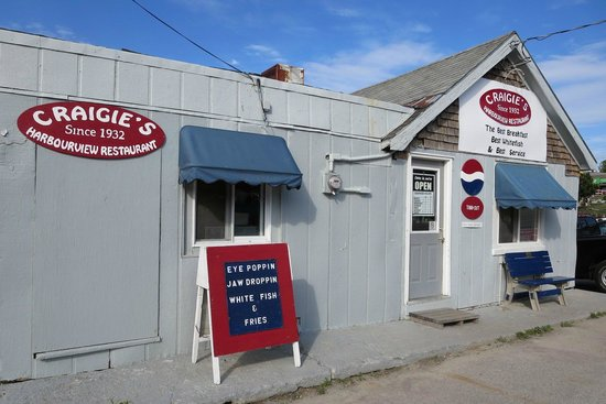 Craigie's Harborview Restaurant: Craigies has a harbour view and a homey feel