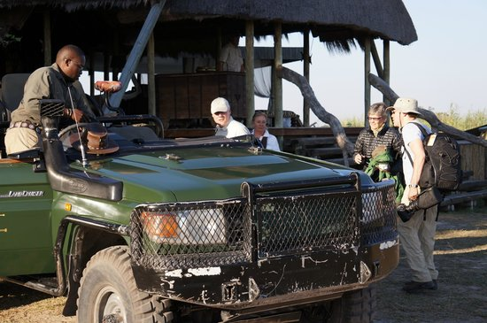 Great Plains Conservation Selinda Camp: Getting ready for a game drive.