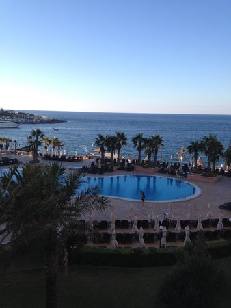 The Westin Dragonara Resort, Malta : вид с балкона