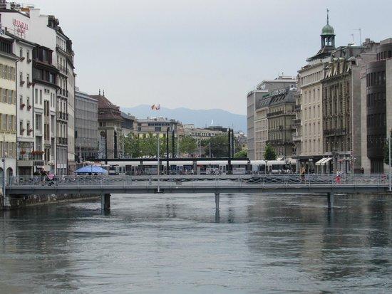 Jet d'Eau: Vista do lago de Genebra