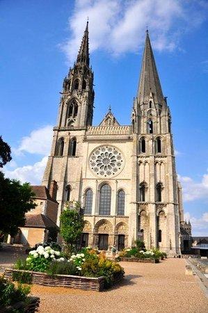 Best Western Grand Monarque : Шартрский собор