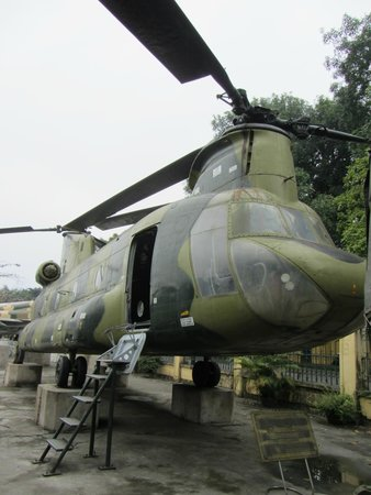Vietnam Military History Museum: Chinook helicopter