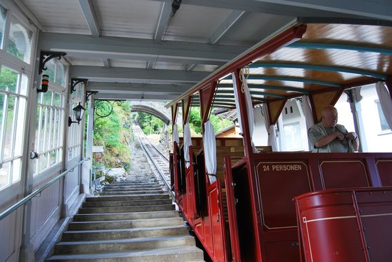 Reichenbach Falls: The cable car to the falls