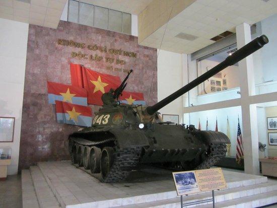 Museo de Historia Militar de Vietnam: T548 Tank