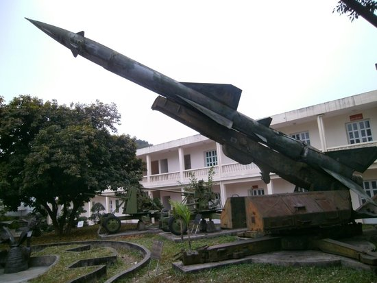 Vietnam Military History Museum: missile launcher