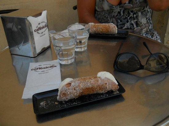Caffe Sicilia: Cannolo