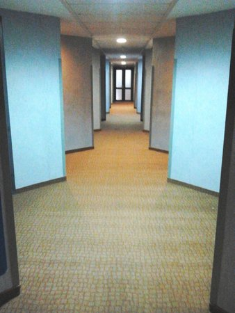 Isthmia Prime Hotel : AFTER RENOVATION-HALL WAY