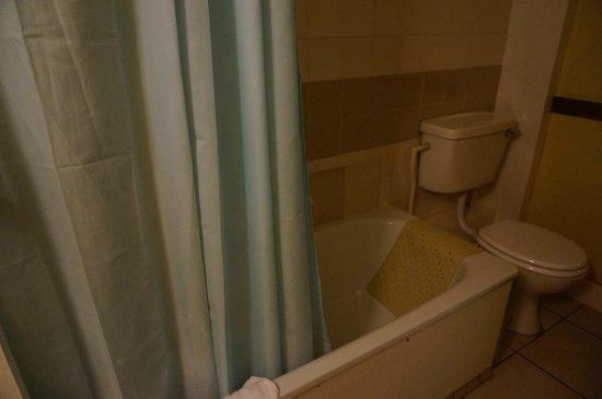 Sandringham Hotel: В ванной комнате