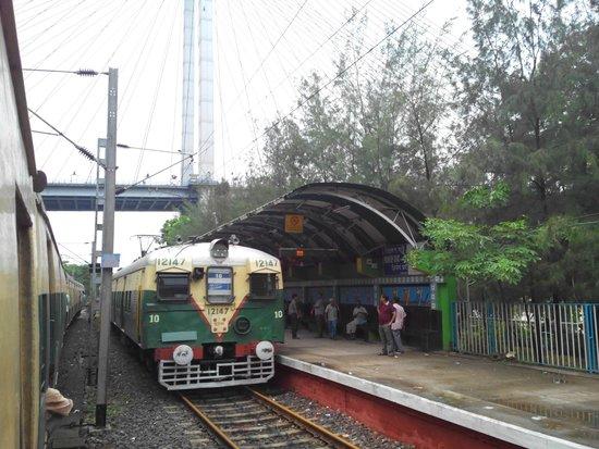 Prinsep Ghat : Princep Ghat Railway Station