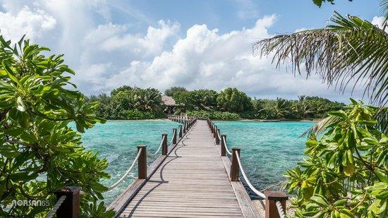 Sheraton Maldives Full Moon Resort & Spa: To the Spa