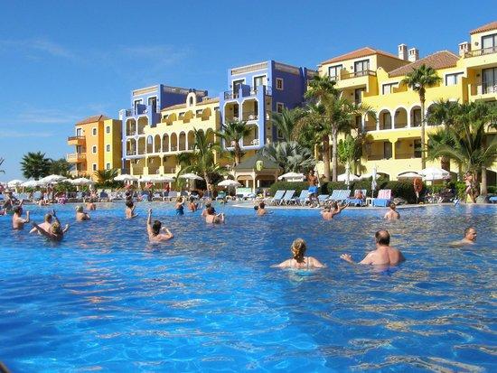 Bahia Principe Tenerife: zwembad 1 van de 2 en dan ook nog pierenbad