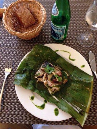 Restaurant Akashi : Poison farcies des champignons japonais , pêche et salade