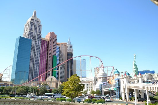 New York - New York Hotel and Casino : Vue du complexe