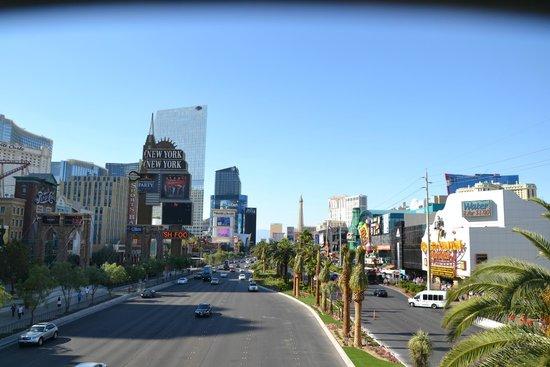 New York - New York Hotel and Casino : Vue du Strip