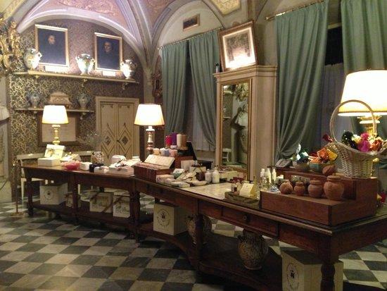 Pharmacy of Santa Maria Novella: a haven of scents...