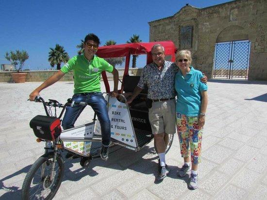 Velo Service - Bike Rental & Tours : Velo Service Rickshaw Tour with our driver Roger