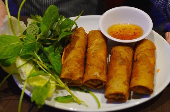 Le's Vietnamese Street Food Restaurant