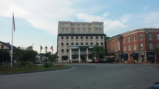 Gettysburg Hotel: Street view of hotel ... surrounded by historic buildings
